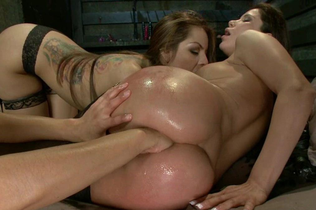 Lesbian anal gapers 04 04