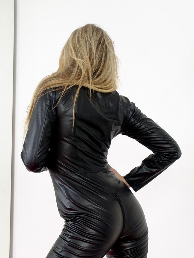 Women In Latex Sucking Cock