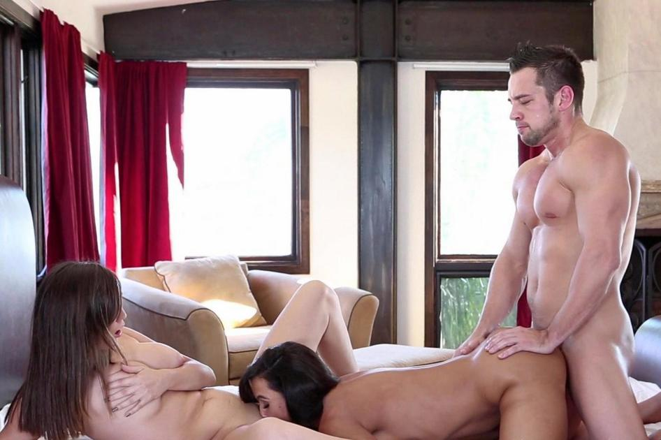 Totally free porn site, hard core amarican dad fucking