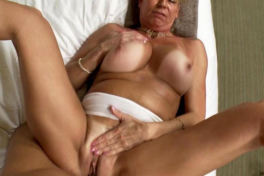 Mature Women Oral Sex