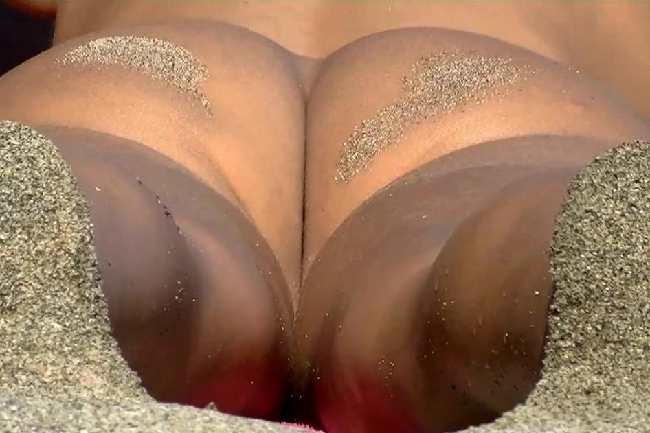 Nudist In Love
