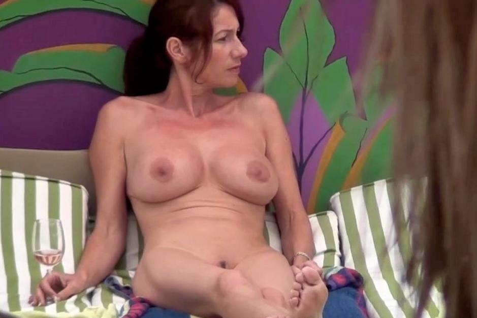 Old black naked lady