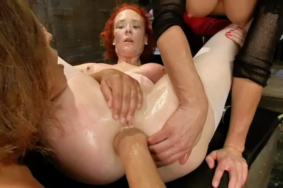 no adult show NUtNDYtMTgMTY Girl gets fisted pretty hard