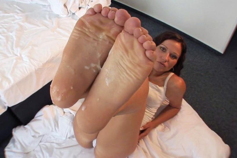 Latinas lesbain foot sex