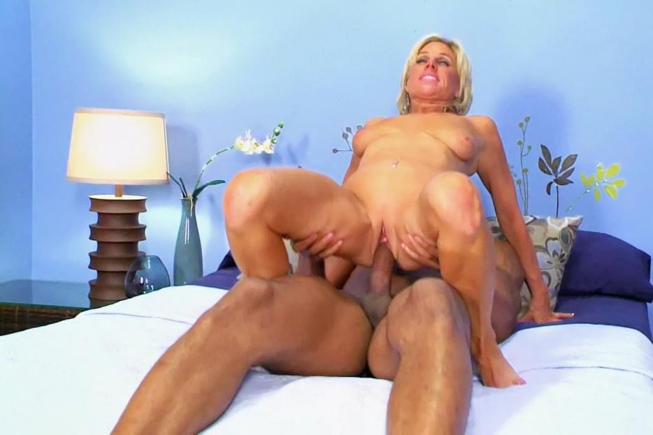 New Matures - Free Older Women Porn